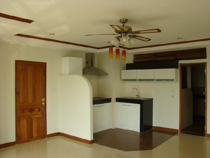 Beautiful corner condo for Rent and Sale