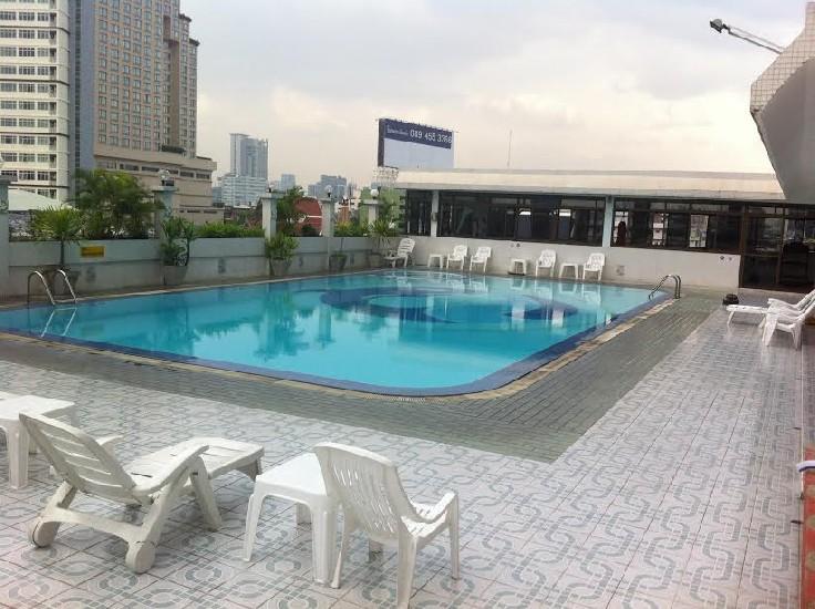 Säker Lyxlägenhet i centrala Bangkok (Endast 4900 baht / månad och 870 baht / da