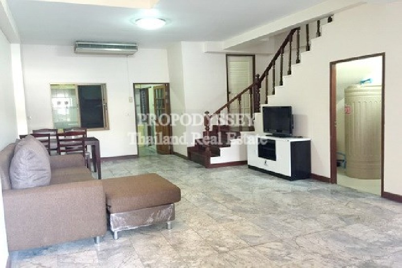 Townhouse for rent near to Thonglor BTS Station
