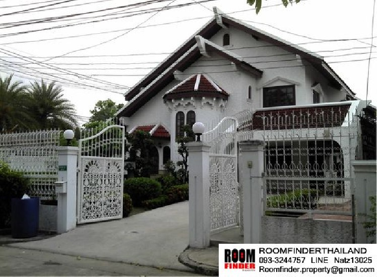 FOR RENT (สำหรับเช่า) Country Villa Srinakarin / 3 beds 3 baths / 100 Sqw.**32,000** Nice