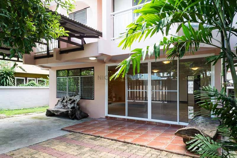House For Rent Predee-Panomyong 14 1241 Bangkok 3 Bed 4 Park 32000 Baht