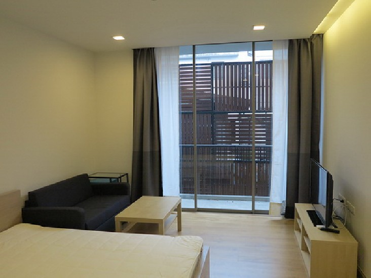 FOR RENT (สำหรับเช่า) Quad Sathorn / Studio / 28 Sqm.**13,000** Fully Furnished. Low Rise