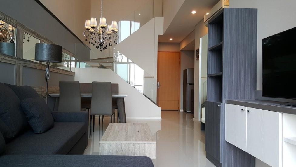 Villa Asoke 2 bedroom duplex 106 sq.m 60K