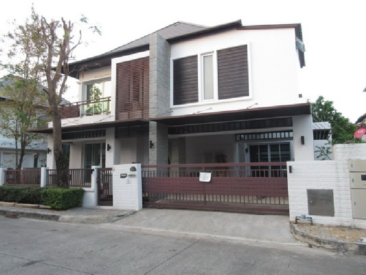 FOR RENT (สำหรับเช่า) Blue Lagoon Bangna / 3 beds 5 baths / 75 Sqw.**60,000** Fully Furnis