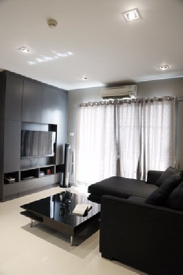 FOR RENT (สำหรับเช่า) Ivy Ratchada / 1 bed / 44 Sqm.**18,000** Fully Furnished. Modern Dco