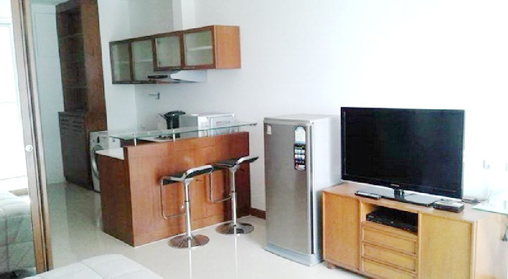 (เช่า) FOR RENT THE ADDRESS SIAM / Studio / 40 Sqm.**20,000** High Floor. Fully Furnished.