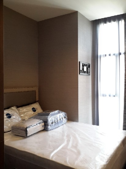 Brand New unit condo for rent at The Diplomat Sathorn available only 60K