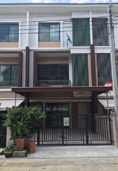 (เช่า) FOR RENT THE PRIVATE SUKHUMVIT 77 / 3 beds 4 baths 3 Storey / 25 Sqw**32,000** Full