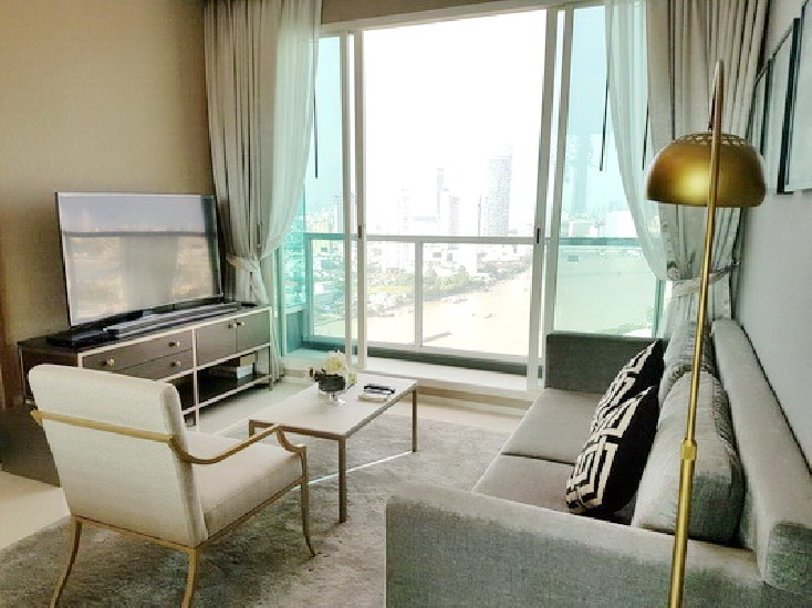 (เช่า) FOR RENT MENAM RESIDENCES / 3 beds 2 baths / 122 Sqm.**120,000** Luxury Decorated.