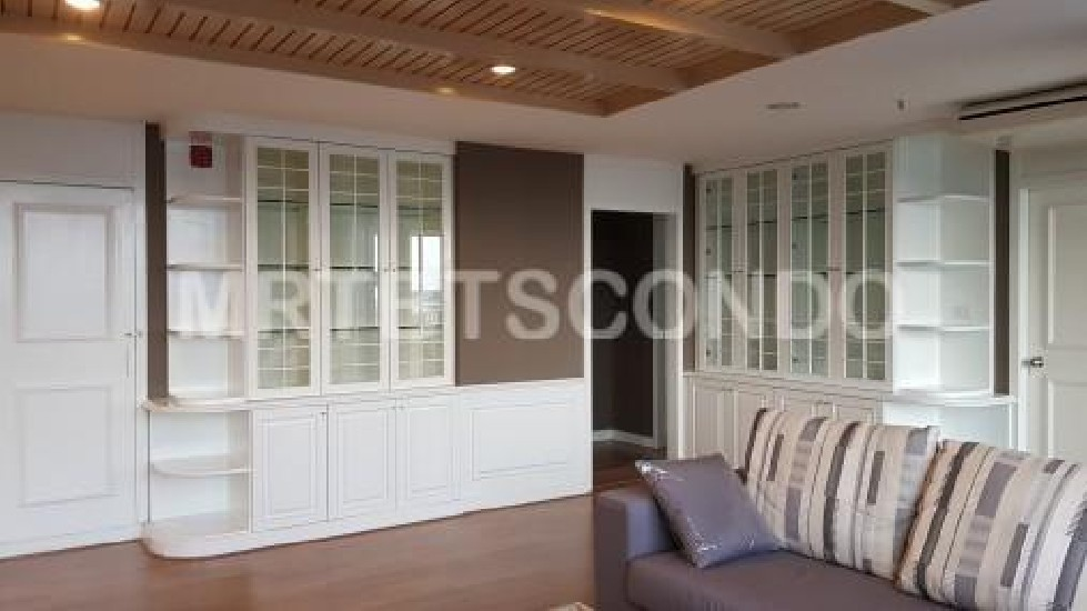 Condo for Rent Crystal Garden close to BTS Nana 3 bedroom price 65000 THB per Month คริสตั