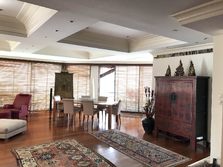 C118864AS Unique sale 3BRS 465Sqm in Thonglor
