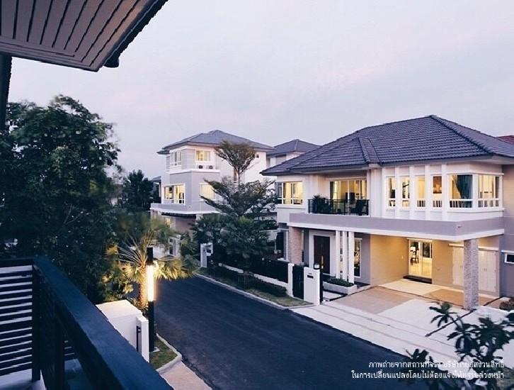 ขายบ้านใหม่พร้อมเฟอร์นิเจอร์บิ้วอิน หมู่บ้าน Grand Bangkok Boulevard พระราม 9 -ศรีนครินทร์