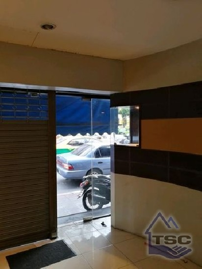 2-storey building, 90 sq.m., intersection of Pahurat, near The Old Siam   2 storey buildin