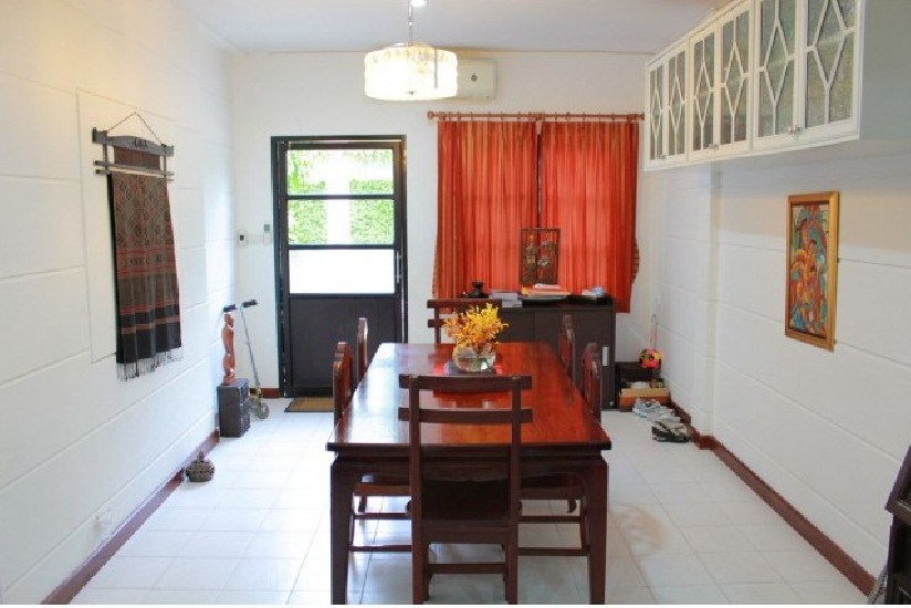 Townhouse 3 storeys for rent at Sukhumvit 79 near BTS On-Nut