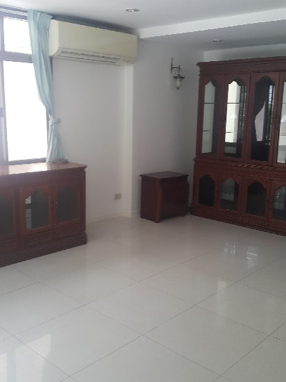 PTY00022   House At Sukhumvit Soi 31 For Rent 4-5 Bedrooms