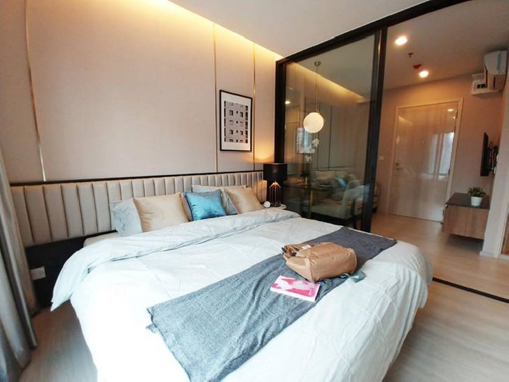 Life Asoke for rent.