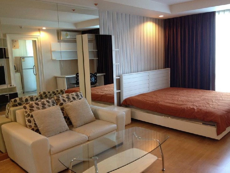 Room for rent at Symphony Condo Fully furnished Fully furnished