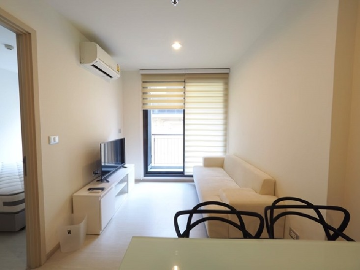 Rhythm Sukhumvit42 35 SqM 1Bed 9floor fully furnished near BTS Ekamai