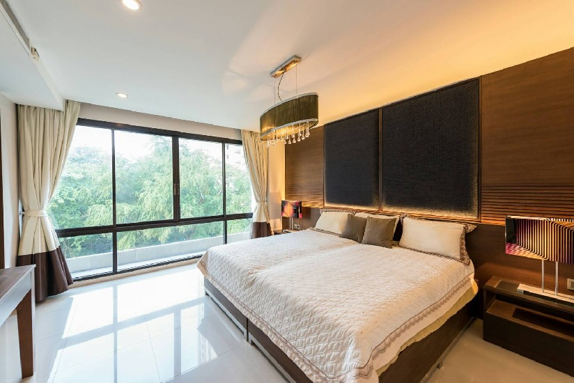 Beautiful Property In The Middle of Asoke and Petchburi For Sale and Rental