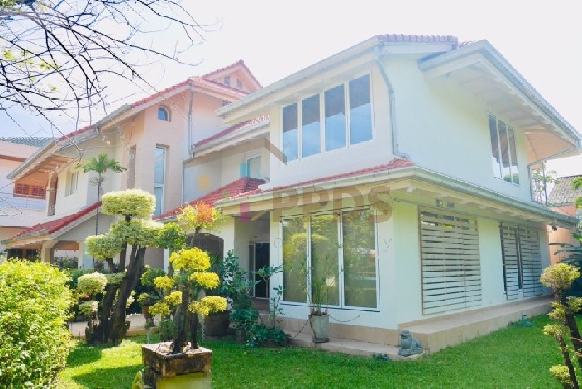 Lakeside Villa 1 for sale at Bangna Trad KM. 5 – House is in a good condition